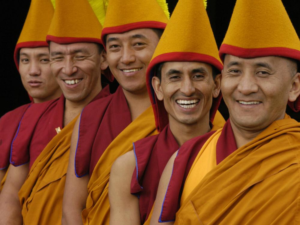 Tashi-Lhunpo-Monks_smiles.jpg