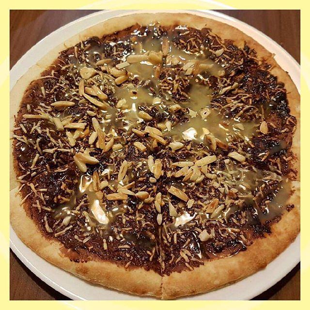 chocolate & cheese pizza: yay or nay? . . . . 📷 by @melonoona.omega #tastyorgross #tasty #gross #chocolate #pizza #cheese #foodie #foodiesofinstagram #foodilysm #ilyfoodgram #fastfoodporn #foodporn #sweetandsalty #eaaaats #forkyea #thisiswhyimfat #foodietribe