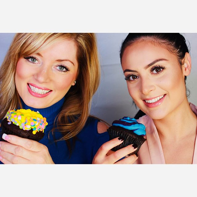 #throwbackthursday Cupcakes! 🧁  #eyelashextensions #volumelashes #lashes #throwbackthursday #eyebrows #lashesandbrows #permanentmakeup #lashextensions #chicagobeauty #nomakeup #mascarafree #volumelashextensions #lashesfordays #beautyshot #lashmodel  #lashesfordays #model #beautymodel