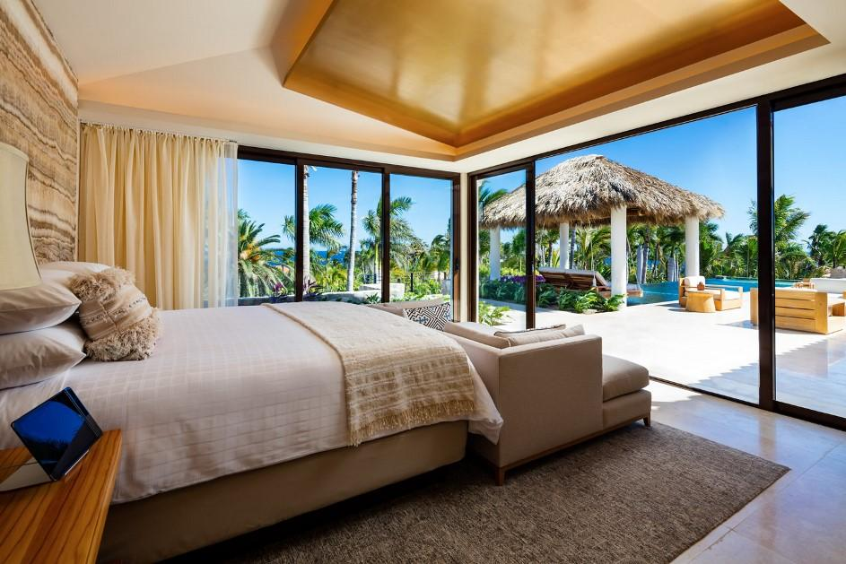 OneAndOnly_Palmilla_Accommodation_VillaOne_MasterBedRoom_002_MR.jpg