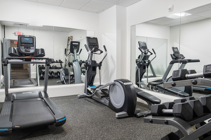 <strong>Amenities</strong><p>Learn More »</p>