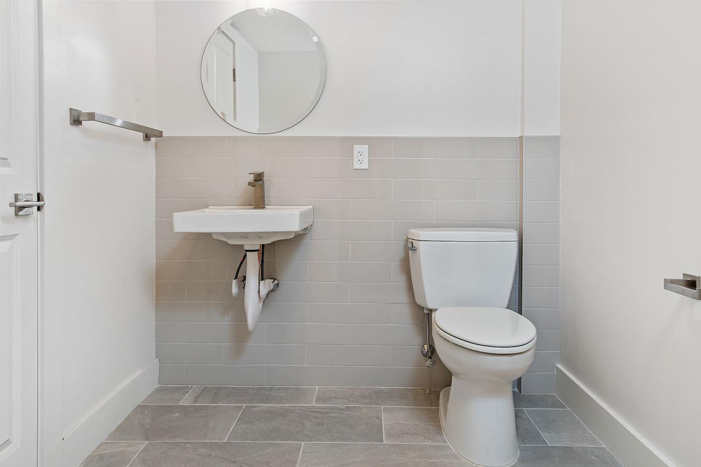 the-telephone-building-providence-rhode-island-luxury-loft-guest-bathroom.jpg