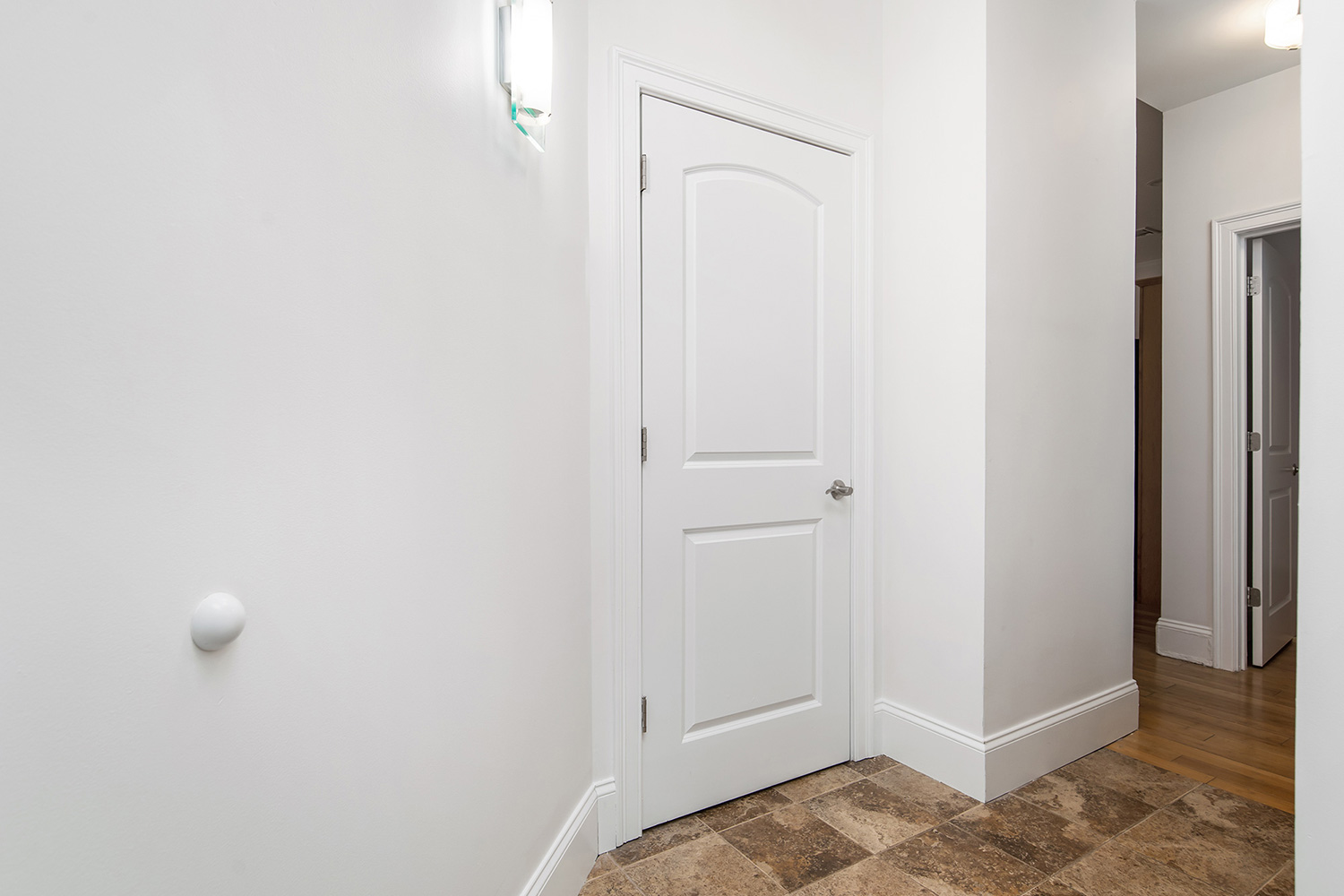 the-telephone-building-providence-rhode-island-luxury-apartment-entryway.jpg