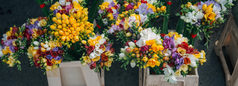 Supermarket Flowers Vs Flower Shop Flowers Accents By Michele