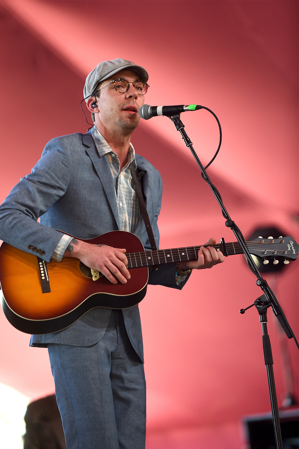 Justin Townes Earle plays the RPS-9