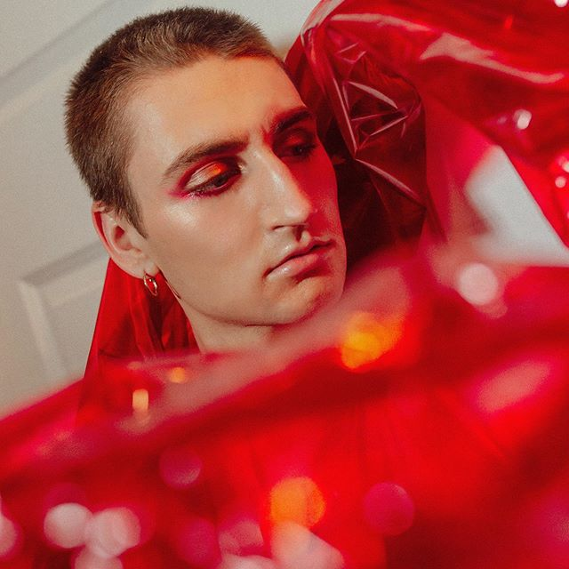 All wrapped up • • • • #portraitphotography #featurepalette #tangledinfilm #canon #sigma #queer #pride #nonbinary #queerart #experimentalphotography #glam