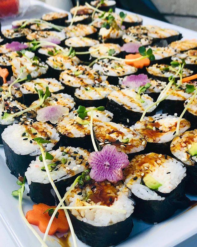 Spicy Tuna roll, California Roll, & Veggie Maki roll!  #kenuikitchen #sushiroll #spicytuna #californiaroll #veggiemakirolls #sushi #spicyahi #ahi