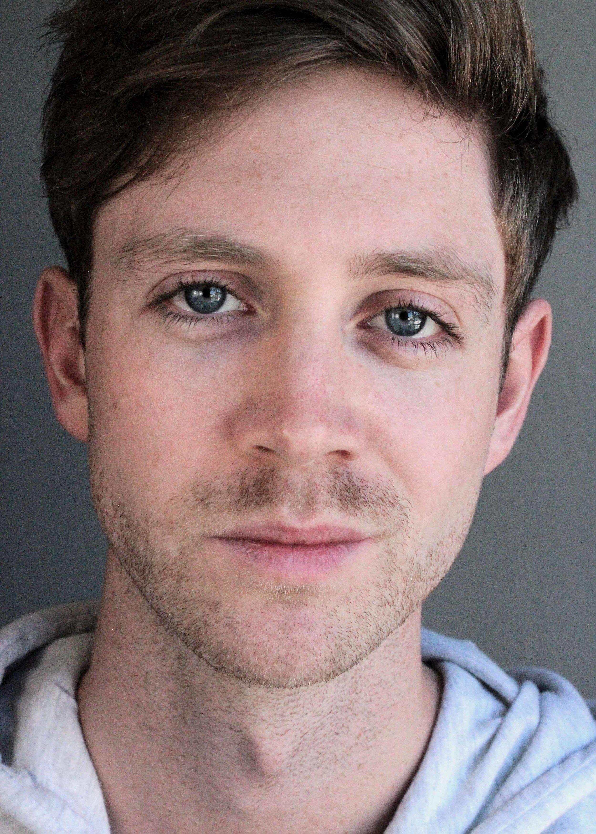 Felix-Martinnson_Actor_ERIN-5.jpg