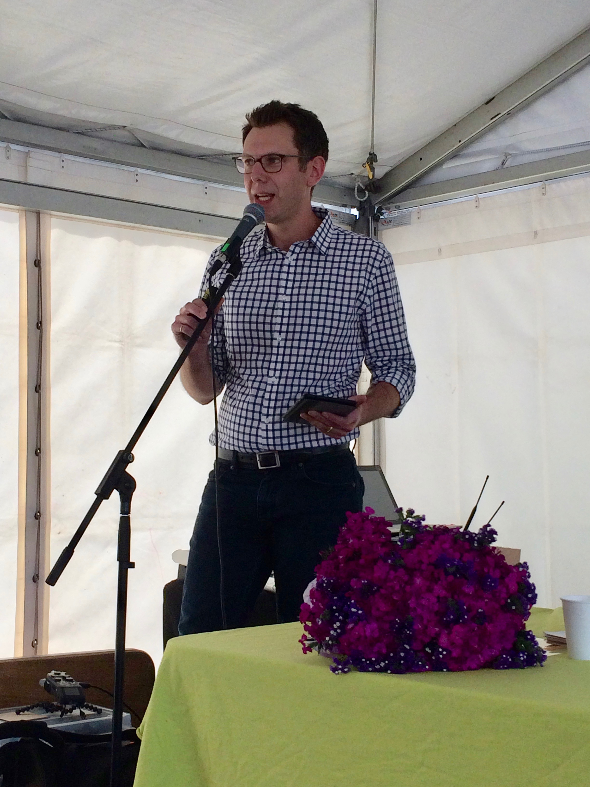 Darren Sharp, Shareable's Australian editor, presenting at last year's National Sustainable Living Festival in Melbourne, for the launch of 'Sharing Cities'. Pic: Anthony James.