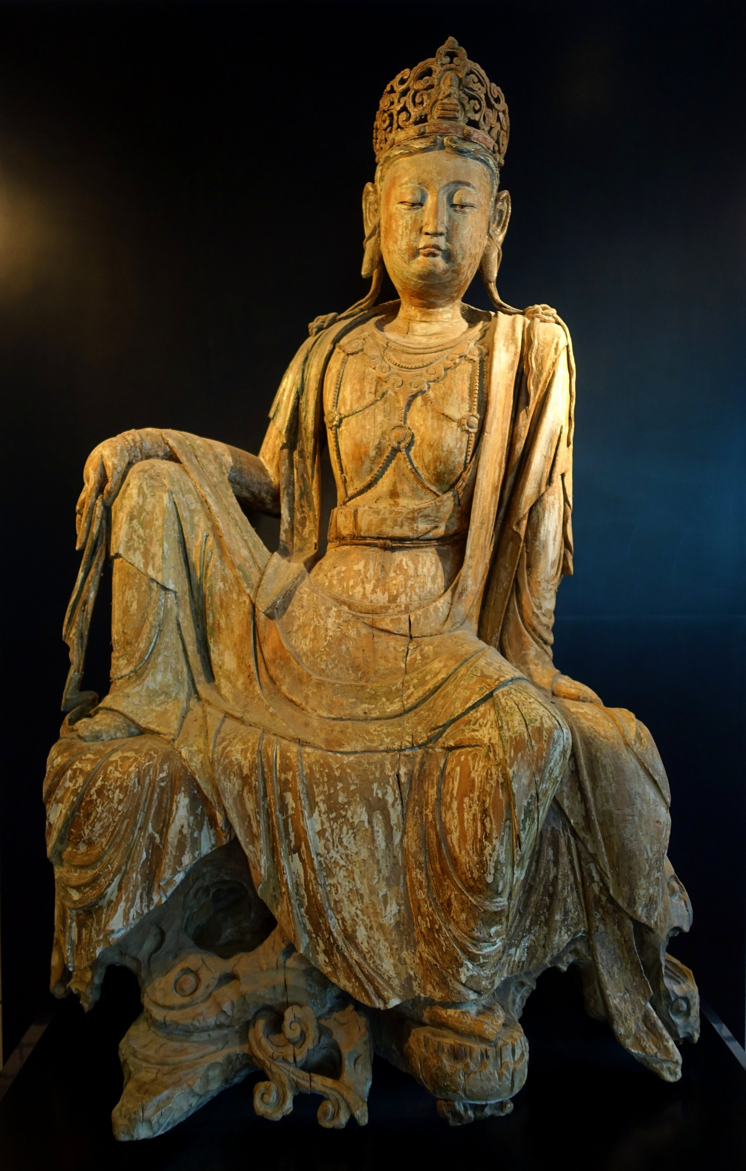 Guanyin,_China,_12th_to_13th_century,_wood_with_polychrome_pigments_-_HongKongMuseumofArt.