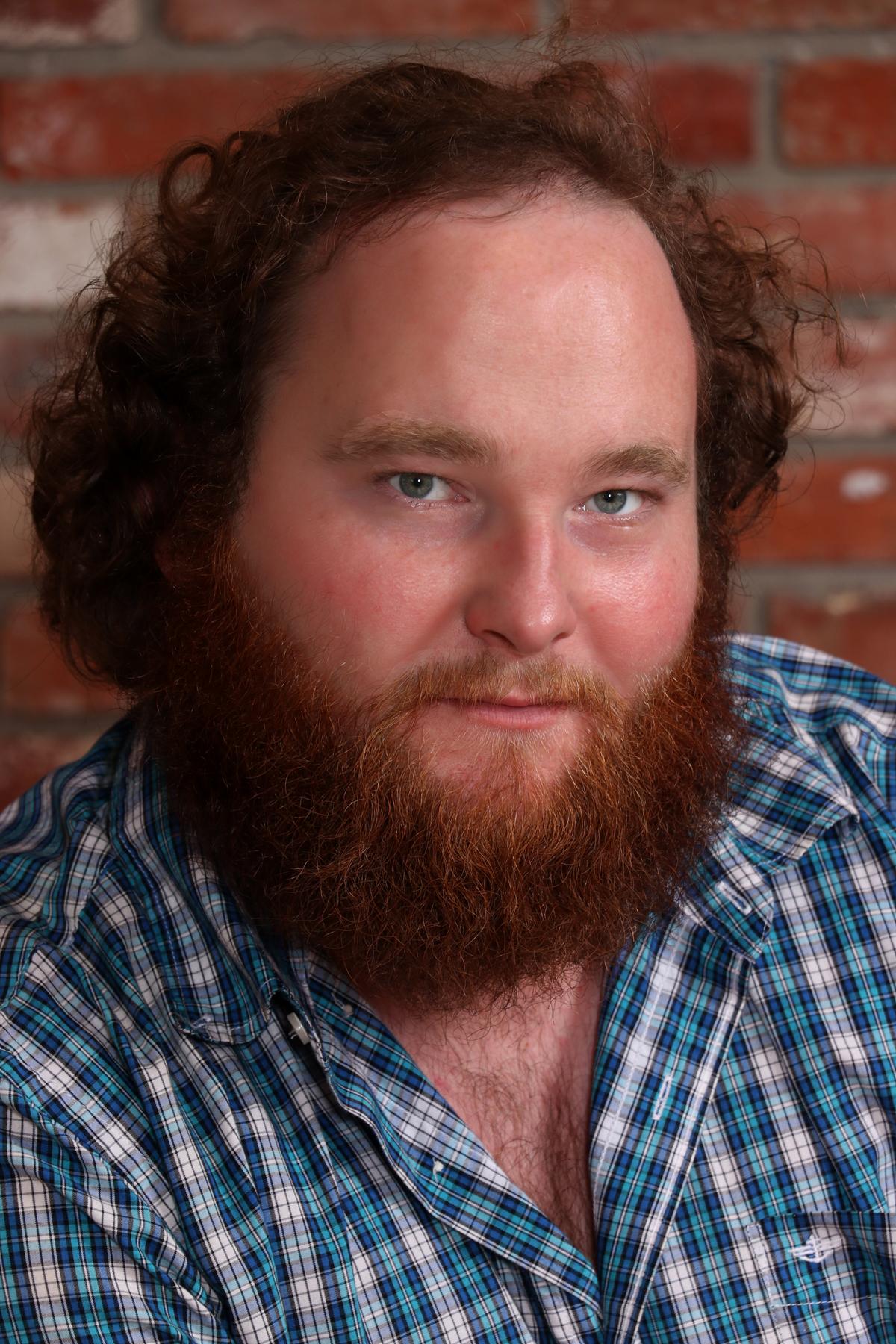 Taylor Buchanan (Tateh)