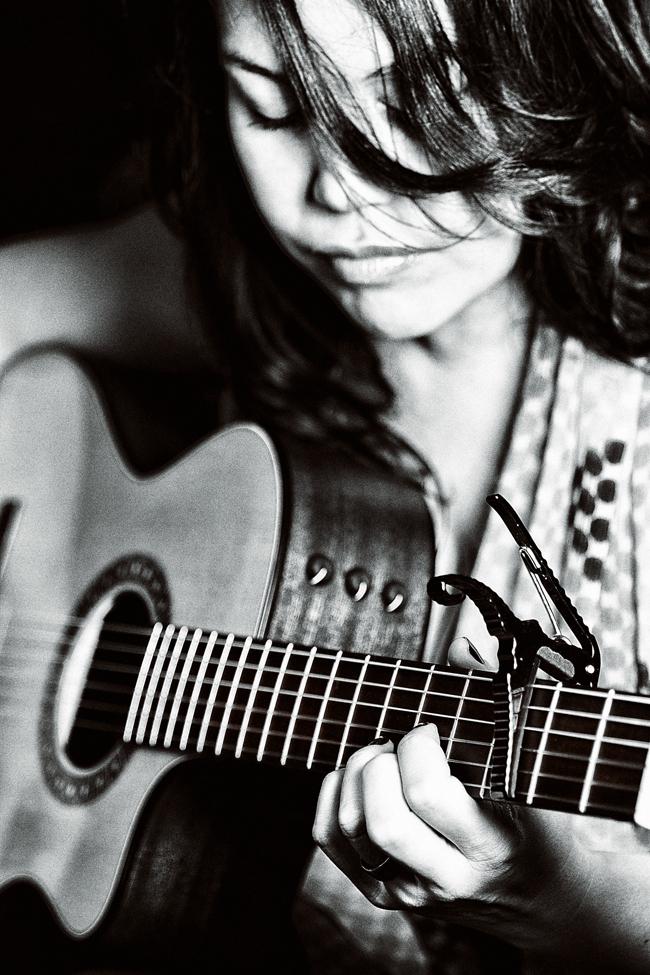 Angelene_Harris_bw_guitar.jpg