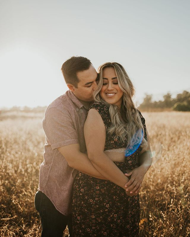 Just delivered some sneak peeks to these two!! ✨ • • This was the sweetest couples session for this beautiful ladies birthday, complete with the most gorgeous picnic setup by @santabarbarapicnicco overlooking the ocean!! It really doesn't get much better than that 🙌🏼✨