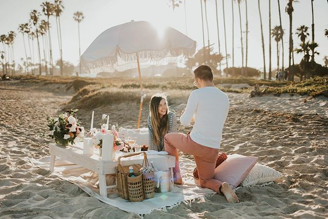 This weekends surprise proposal was a success!! 🙌🏼✨ • • I loved getting to plan this surprise proposal out with Chris and @santabarbarapicnicco and Sara's reaction was priceless!! I also really loved getting to go undercover at the beach to secretly capture this unforgettable moment lol Anyone else want help planning a surprise proposal?? Cause I'm your girl!! 😂💕
