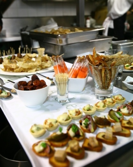 canape options - Entire Venue - 400 Stand UpMain Dining Floor - 200 Stand UpPrivate Dining Room - 80 Stand UpTerraced Courtyard - 80 Stand Up