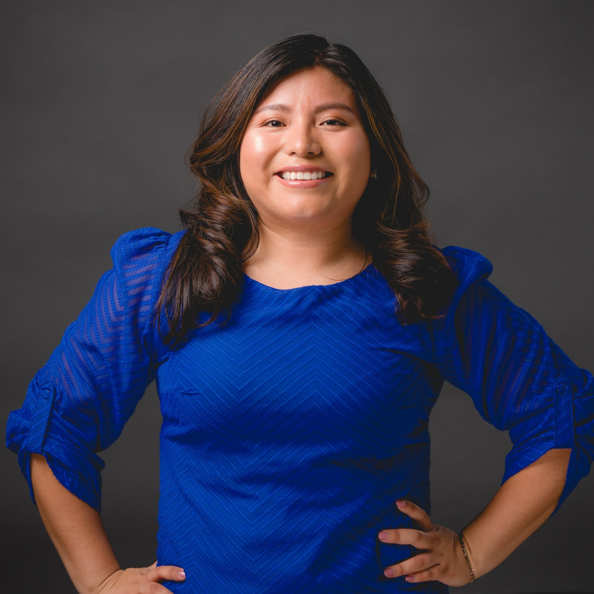 2019 Monzón Fellow  Adriana is Manager of Alumni Programs for New American Leaders, an organization dedicated to recruiting and preparing people from immigrant communities to run for office.