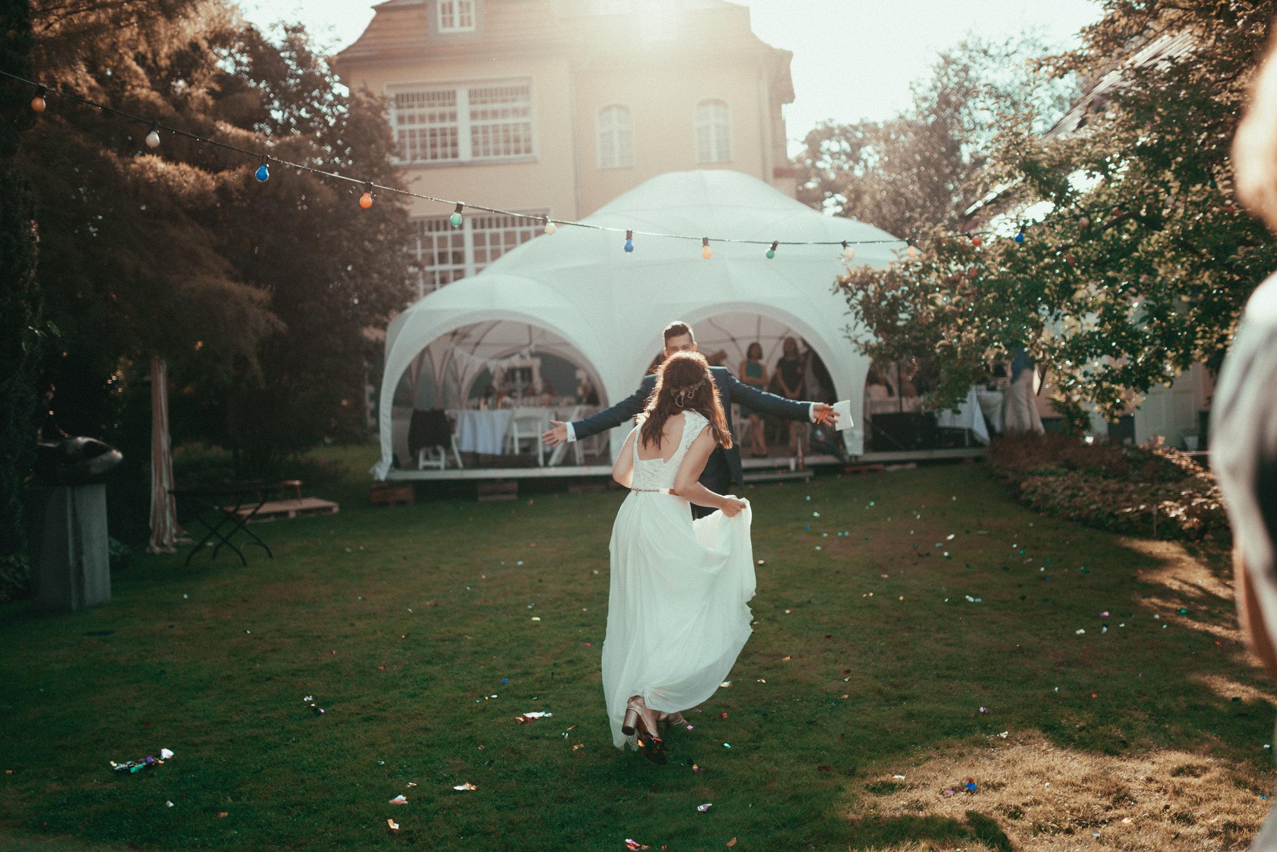 0011 - Dressed in White - Hochzeitsfotograf Berlin.jpg