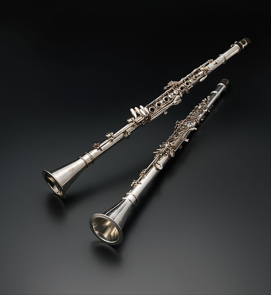 """1922 – Haynes collaborates with Georges Barrère to make a flute """"with perforated keys"""" (open holes).1926 – Haynes begins to make Silver Clarinets - making a total of 334 instruments until production ceased in 1942 (pictured right - thank you to the Metropolitan Museum of Art in New York City, NY)1926 – Verne Q Powell leaves the company gifting a hand-engraved watch to William Haynes before his departure. -"""