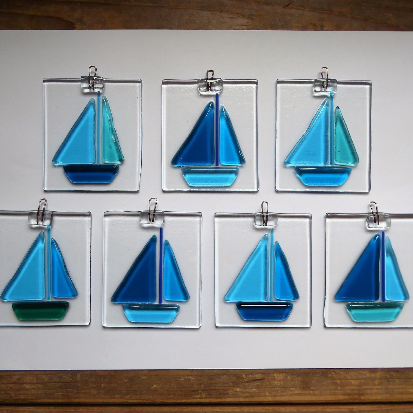 Hanging boats - great for bathrooms!