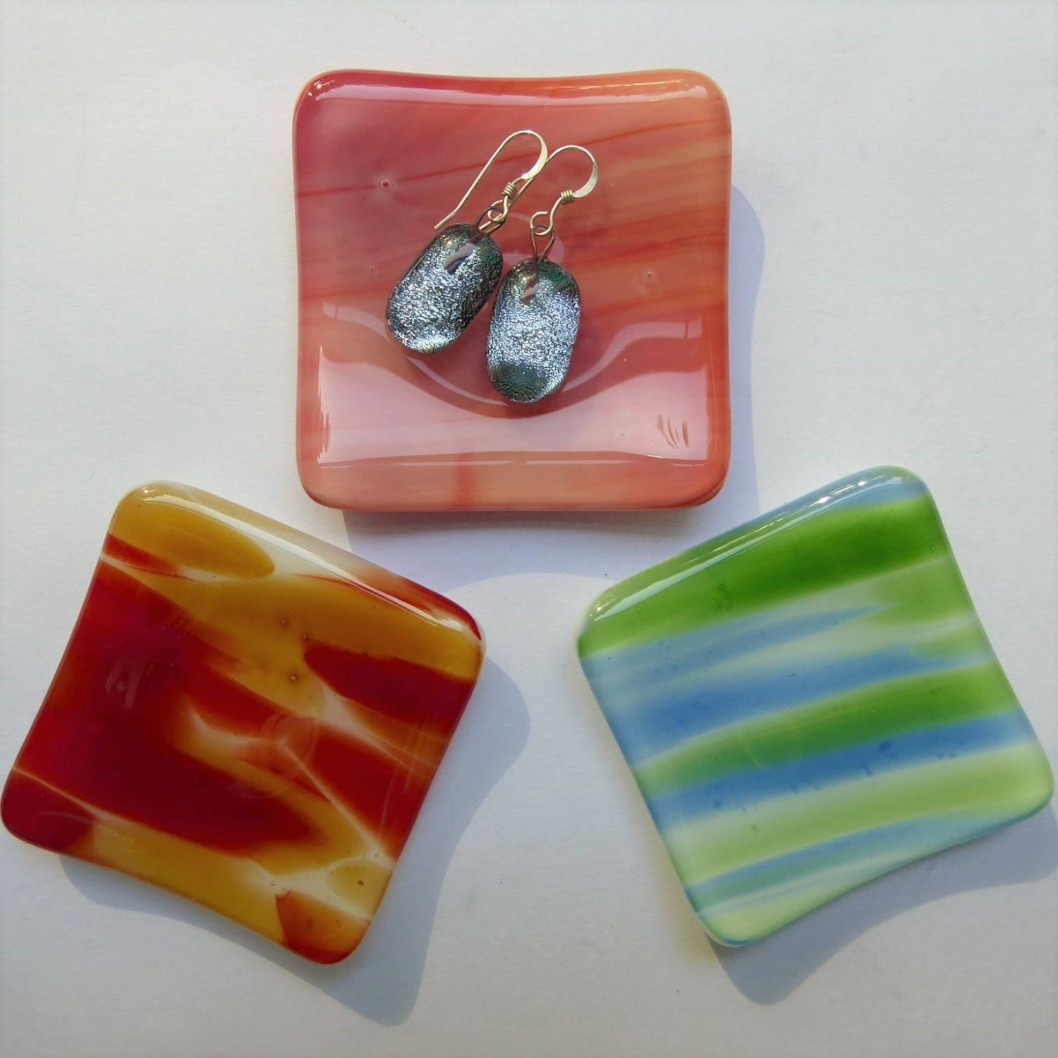 Small coloured dishes