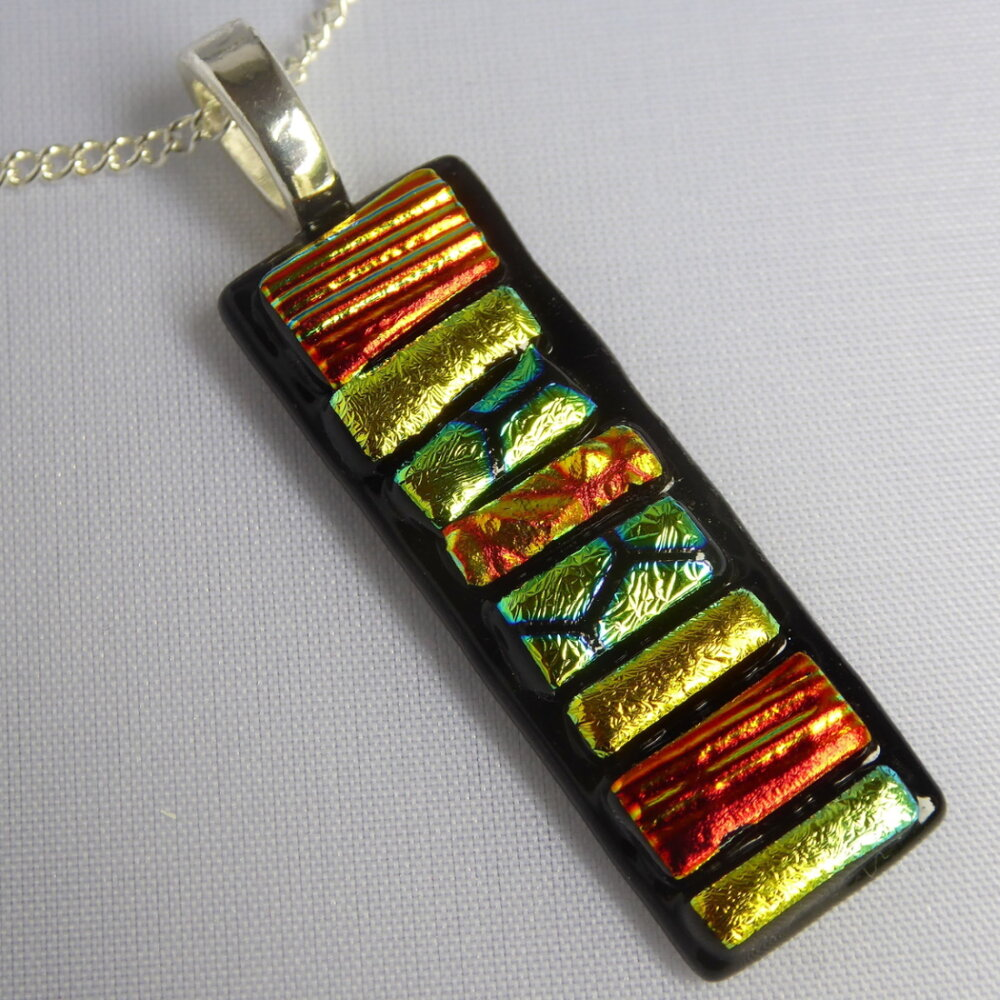 Gold/red mosaic pendant