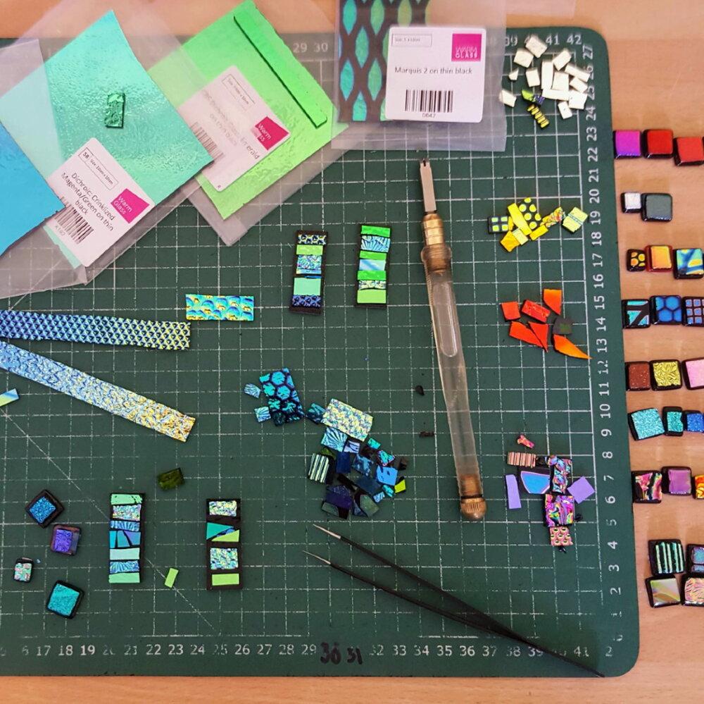 Making mosaic pendants