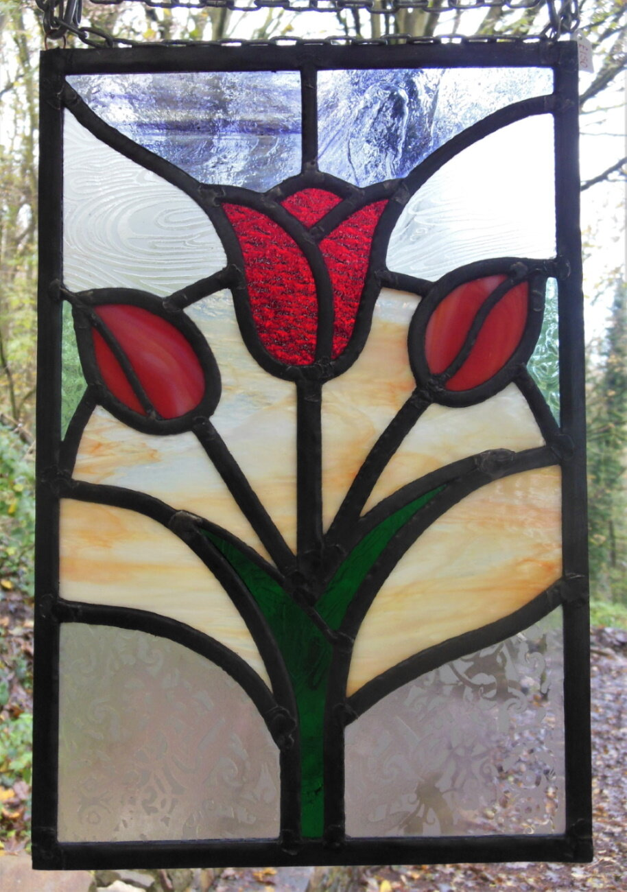 eva-glass-design-red-tulips-stained-glass-window-panel.jpg