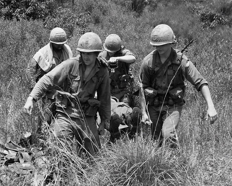 BW_evac_wounded_IV.jpg