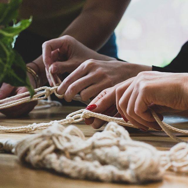 Hey, einen kreativen Wochenstart wünschen wir euch! Und denkt dran, immer mal wieder eine kreative Pause einzulegen... #happymonday 🍀 🌱 🌵 🌿 #letscreate #create #kreativ #diy #dekoration #deko #dekoliebe #hygge #homeinspiration #inspohome #inspirationalquotes #inspire #quotes #quotesoftheday #zuhause #craft #doityourself #pflanzenmuddi #pflanzenliebe #instaplant #botanicalillustration #Makramee #macramee #pflanzenmuddi #home #pflanzenliebe #diy #selbstgemacht