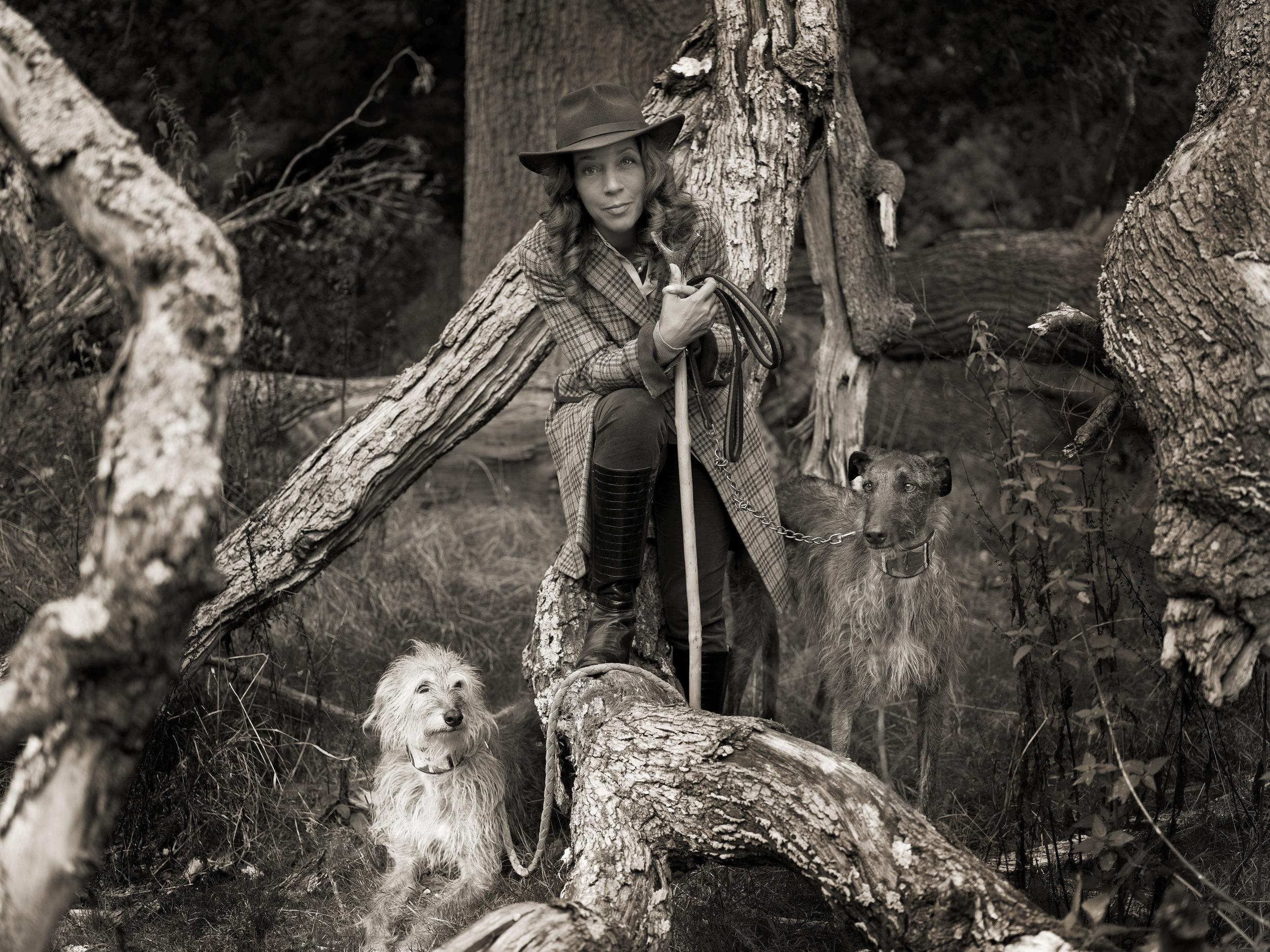 HelenGrantmp, 209women-Oak&Hounds.Rural.hr.jpg