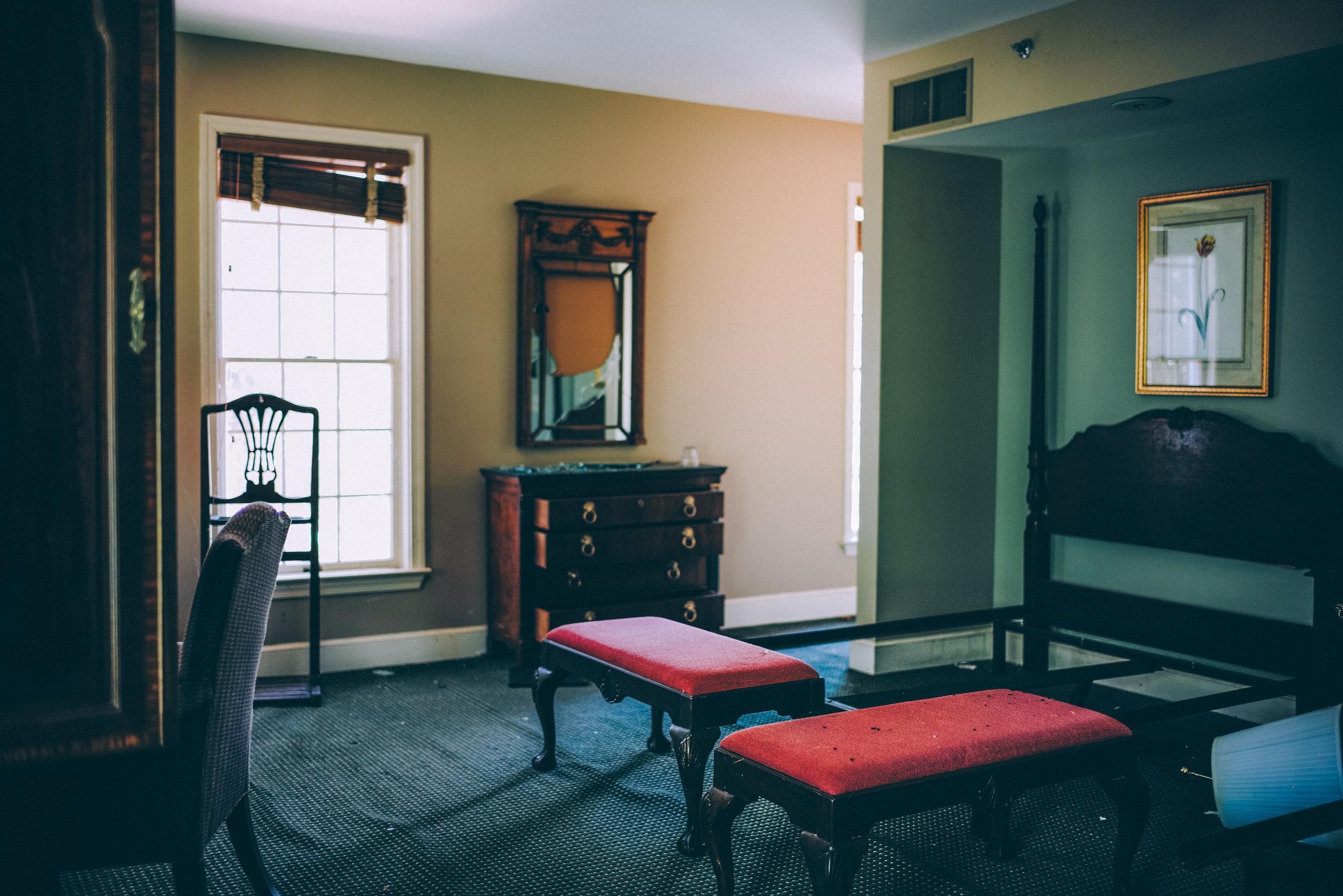 kw-abandoned-hotel-sc-img17.jpg