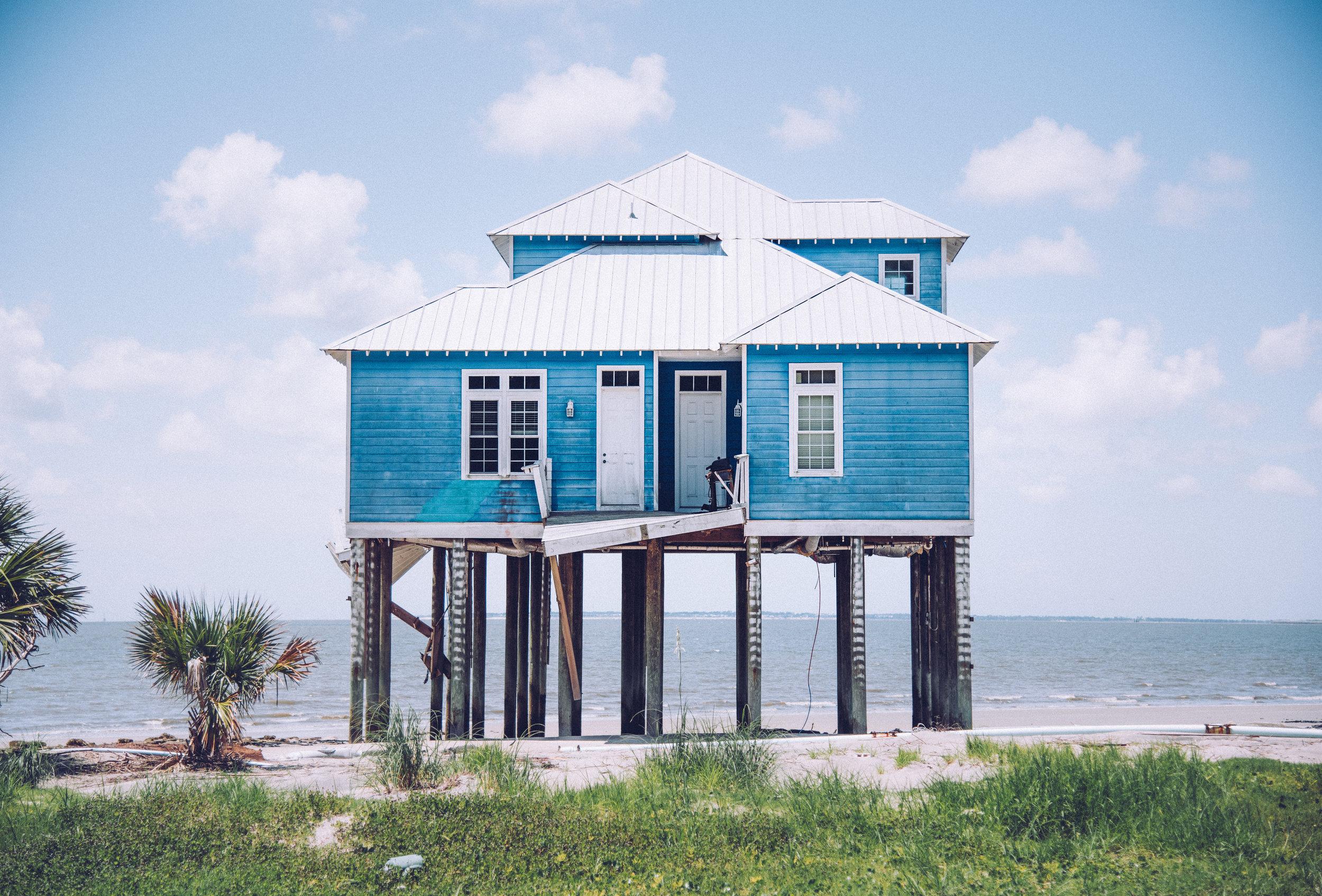 kw-abandoned-beachfront-homes-sc-img1.jpg