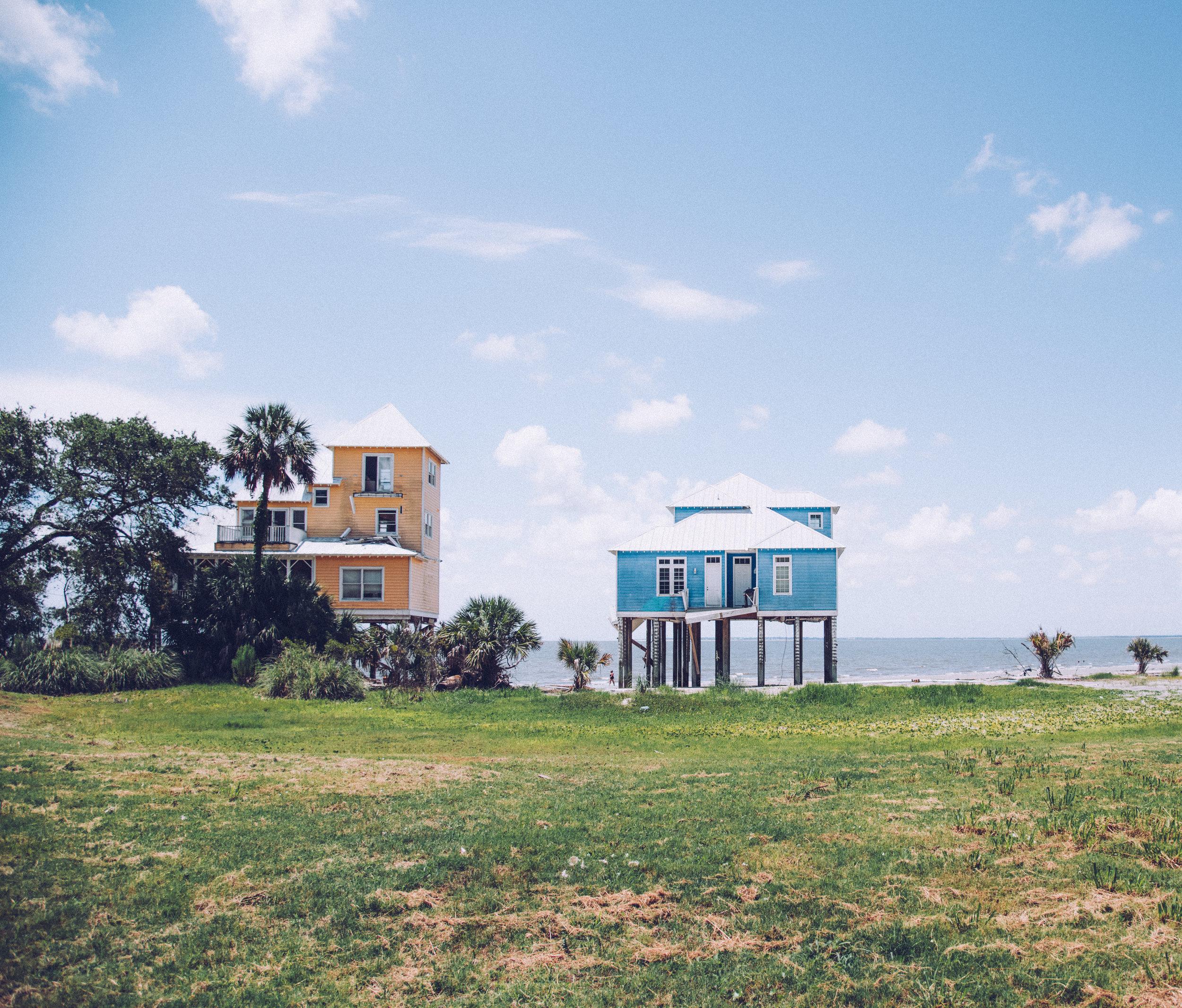kw-abandoned-beachfront-homes-sc-img2.jpg