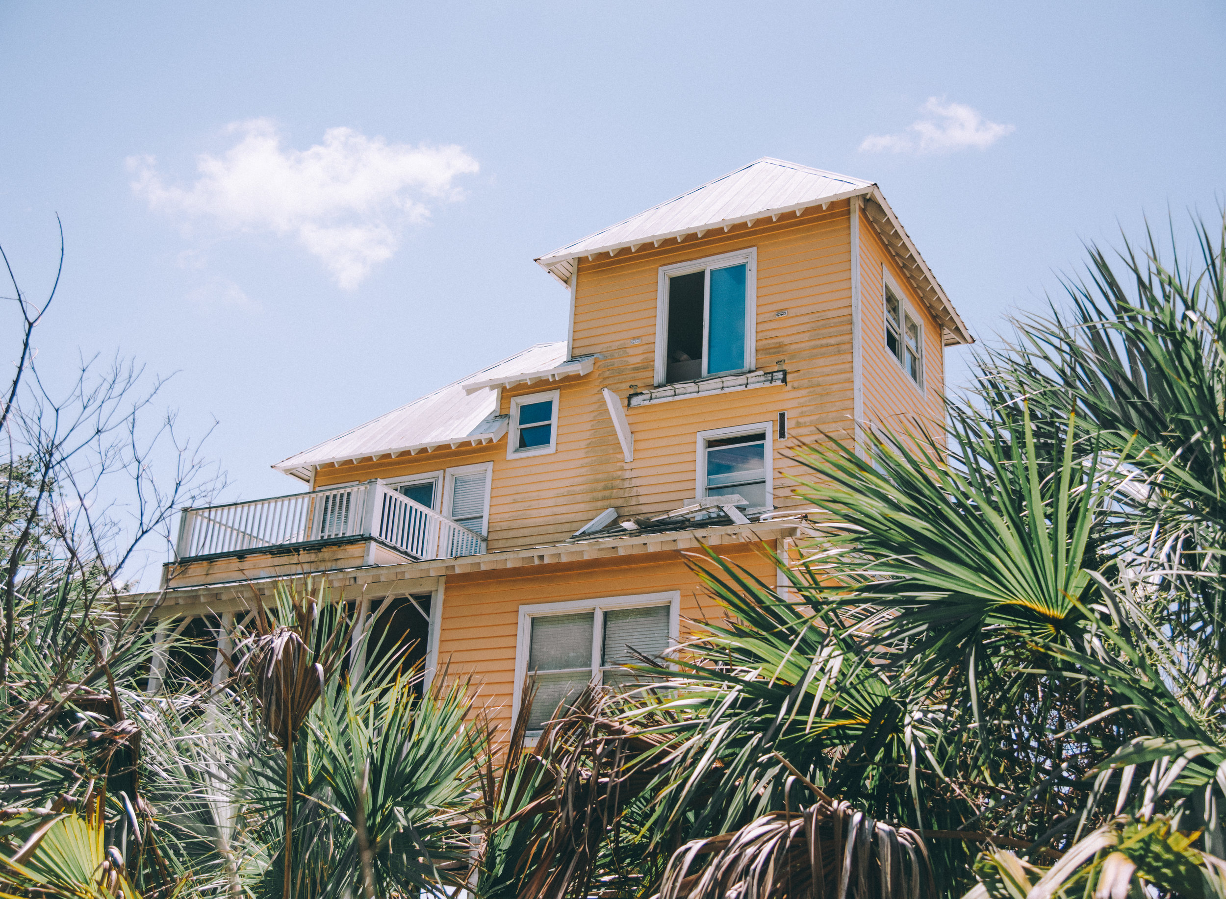 kw-abandoned-beachfront-homes-sc-img8.jpg