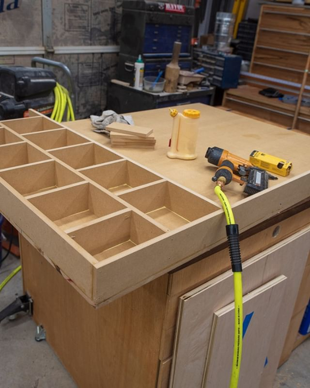 Making another outfeed/assembly table. Going different and doing a torsion box this time. Whats your preference for a workbench top? Torsion, single plywood, layered plywood, something else? . . . #workbench #assemblytable #outfeedtable #woodworking #wood #woodwork #plywood #pneumaticnailer #pneumatic #woodglue #torsion #torsionbox #torsiontop #makersgonnamake #makermovement