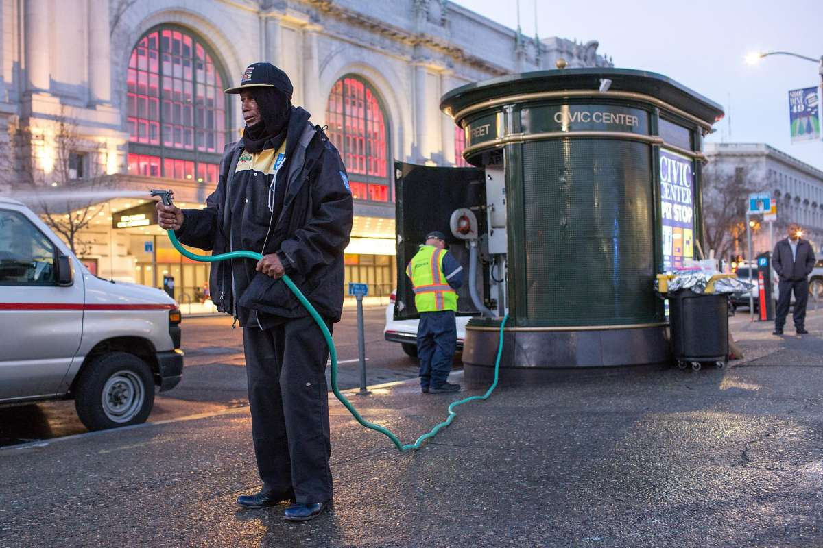 PIT STOP   Reformed prisoners give back, save lives by monitoring SF's public restrooms