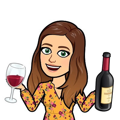 Don't forget it's #WineWednesday and we were live on FB again! We are having a summer blowout sale and have a few #giveaways! Watch on #REPLAY 👏