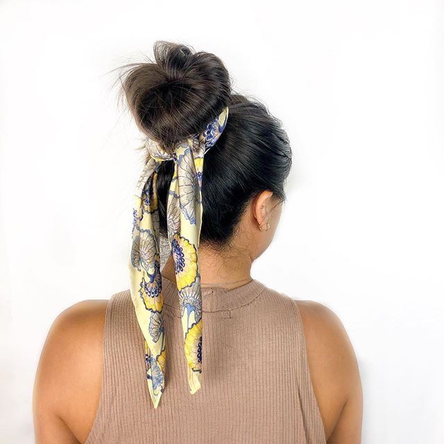 The simplest hair style, yet it makes it look like you tried to get ready this morning and we are here for it. Golden Gingko scarf to the rescue!