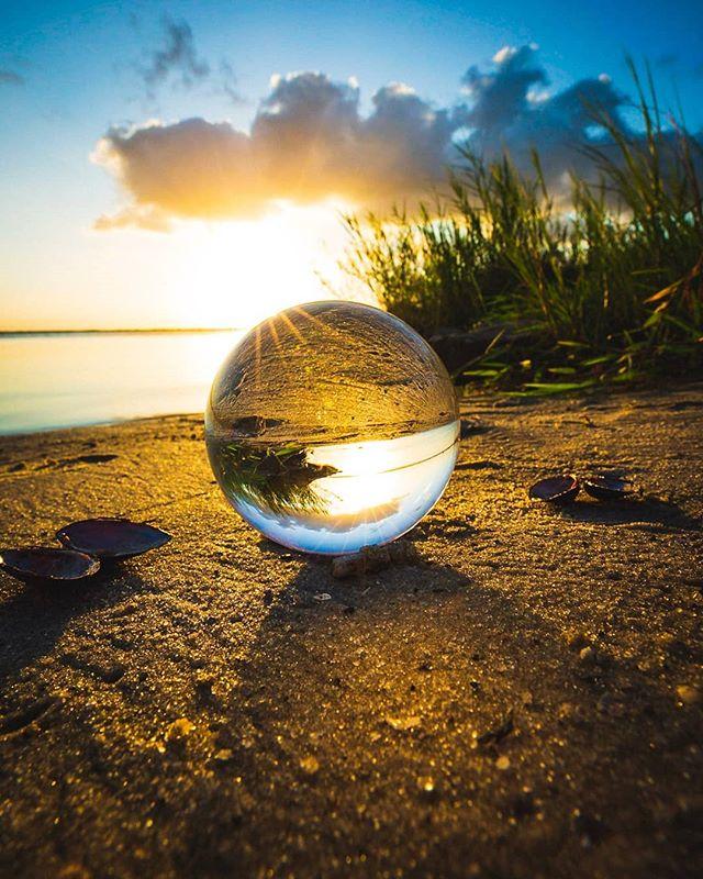 sunset at the lake. 2019. 5Diii / 16-35 f2.8  #lensball #lensballshots #lensballphoto #lensballin #lensballphotography #sunrise #florida #skyporn #skylovers #lovefl #sunshine #floridalife #mothernature #roamflorida #pureflorida #sunshinestate #visitflorida #fl #loveflorida #canon #canon_photos #canon_official #5diii #canon5dmarkiii #1635mm