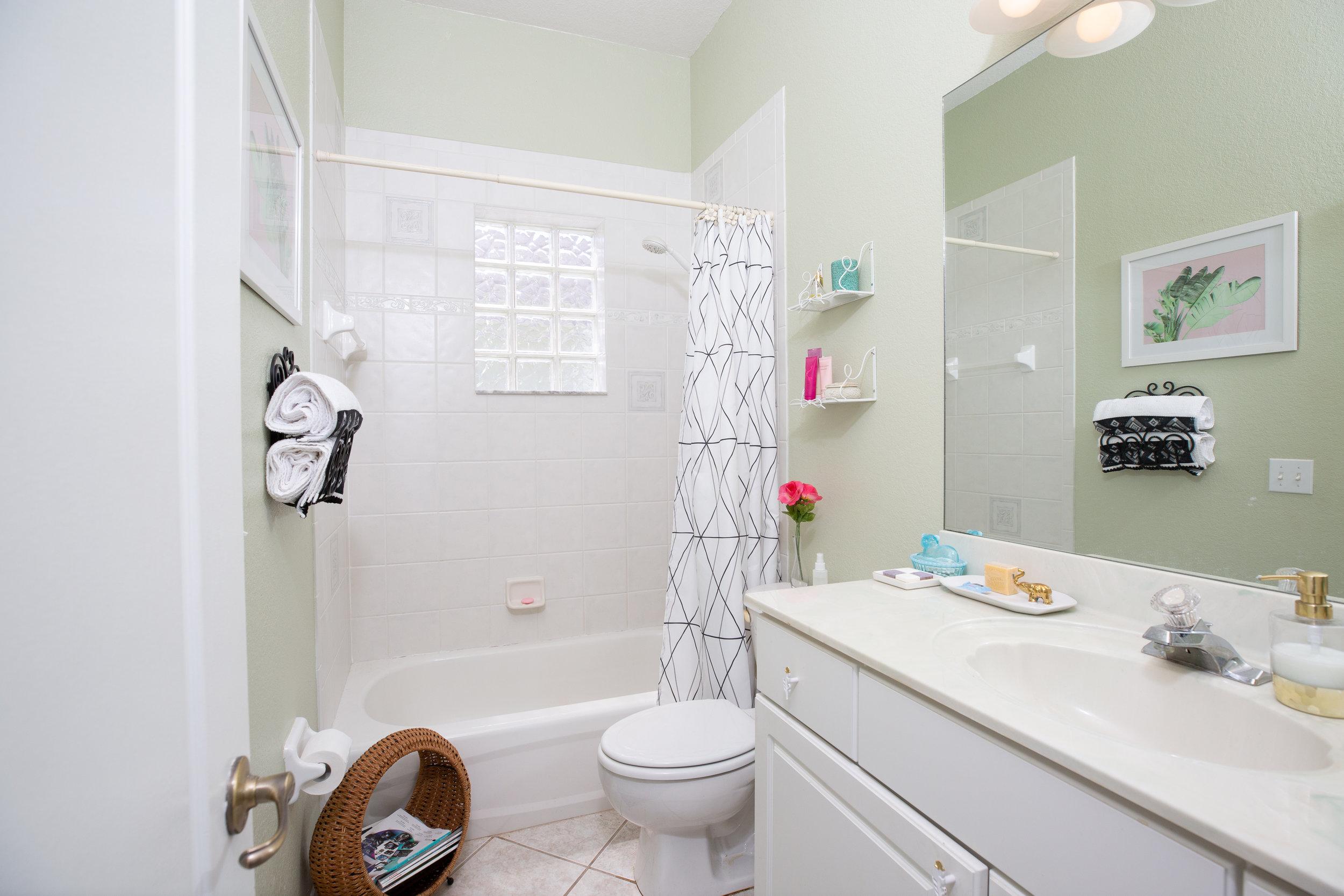 Guest Bathroom_I66A1893.jpg