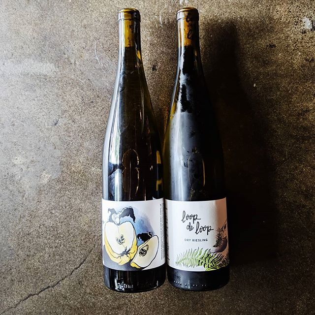 Stoked to find @loopdeloopwines by the glass @thesapphirehotel  On the left is her 2018 Columbia Gorge AVA Riesling from Acadia Vineyard. 2 barrels made! On the right we have the 2017 Roncali Vineyard from Willamette Valley. 66 cases made.