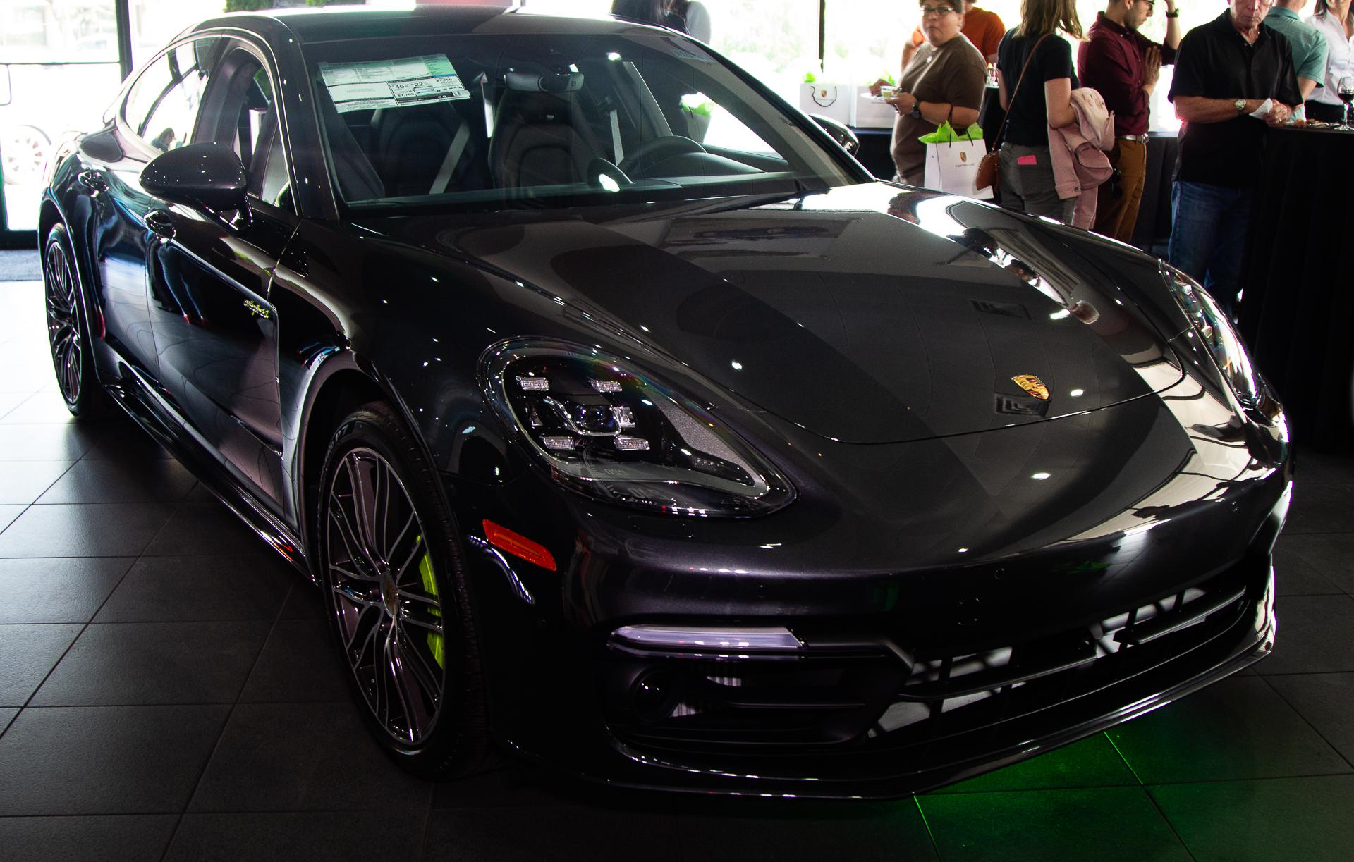 Porsche-Austin-2018-Panamera-10.jpg