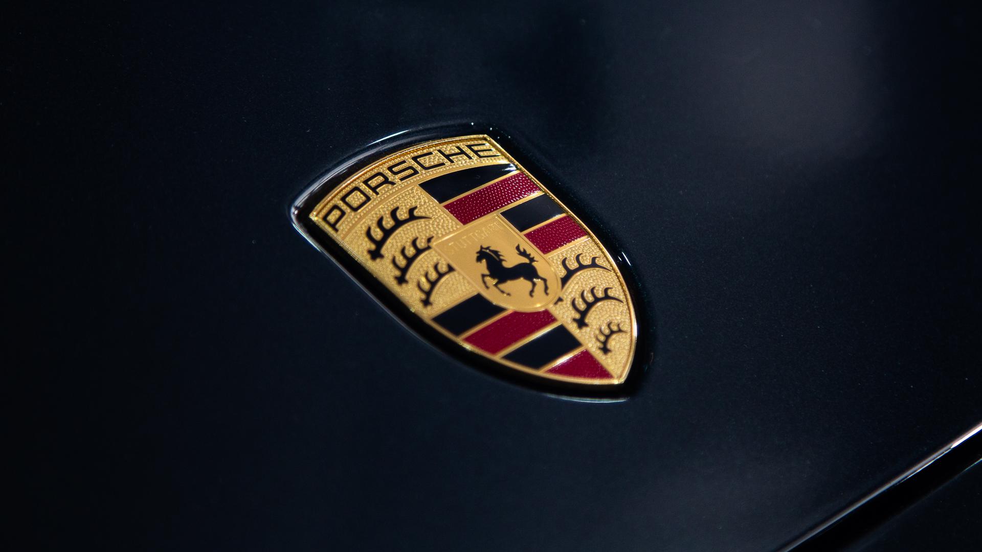 Porsche-Austin-2018-Panamera-13.jpg