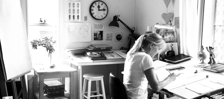Susy in Studio 2019 B&W-WEB.jpg