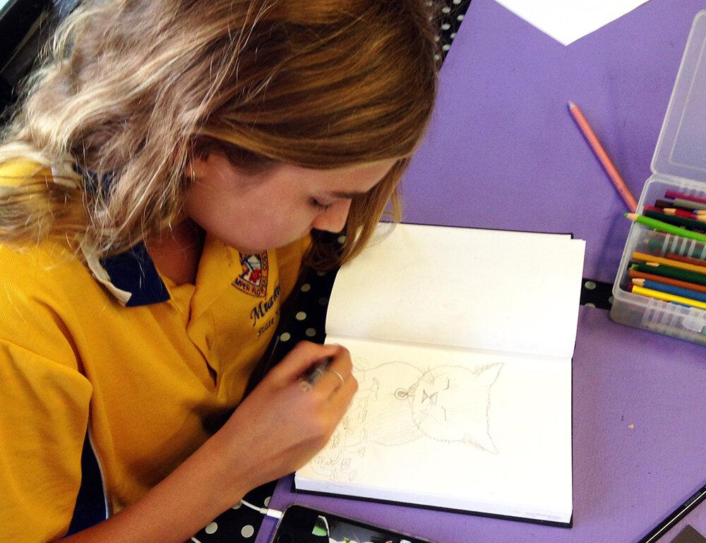 Elite teens-Charlie sketching-WEB.jpg