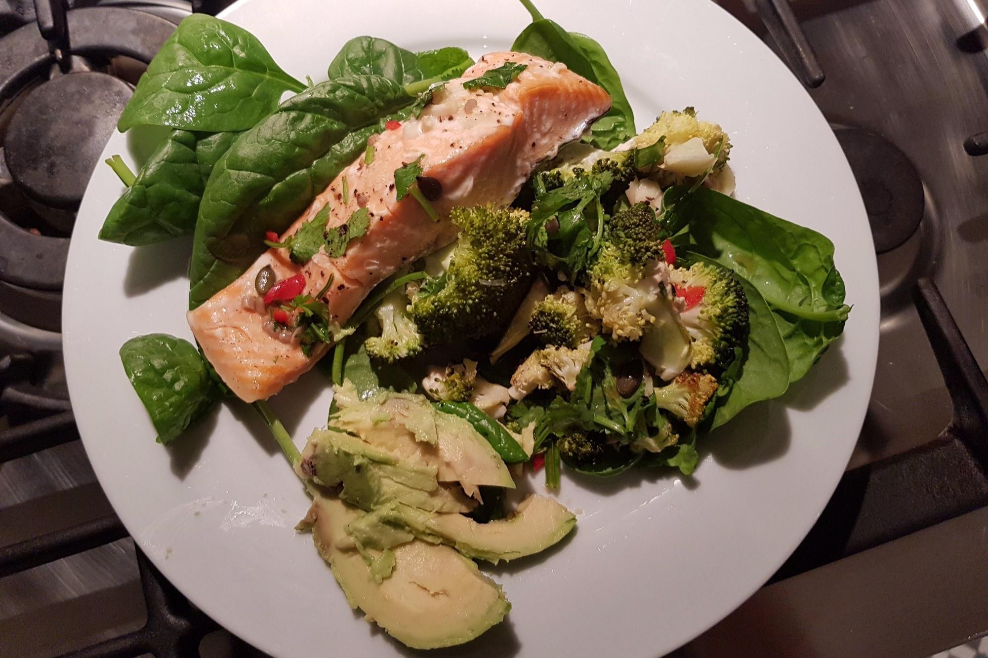 salmon-roastingtin-healthyrecipes-realfood.jpg