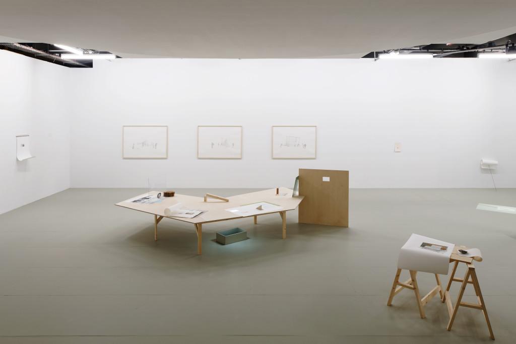 Vue de l'exposition 'Ce qui coule n'a pas de fin'