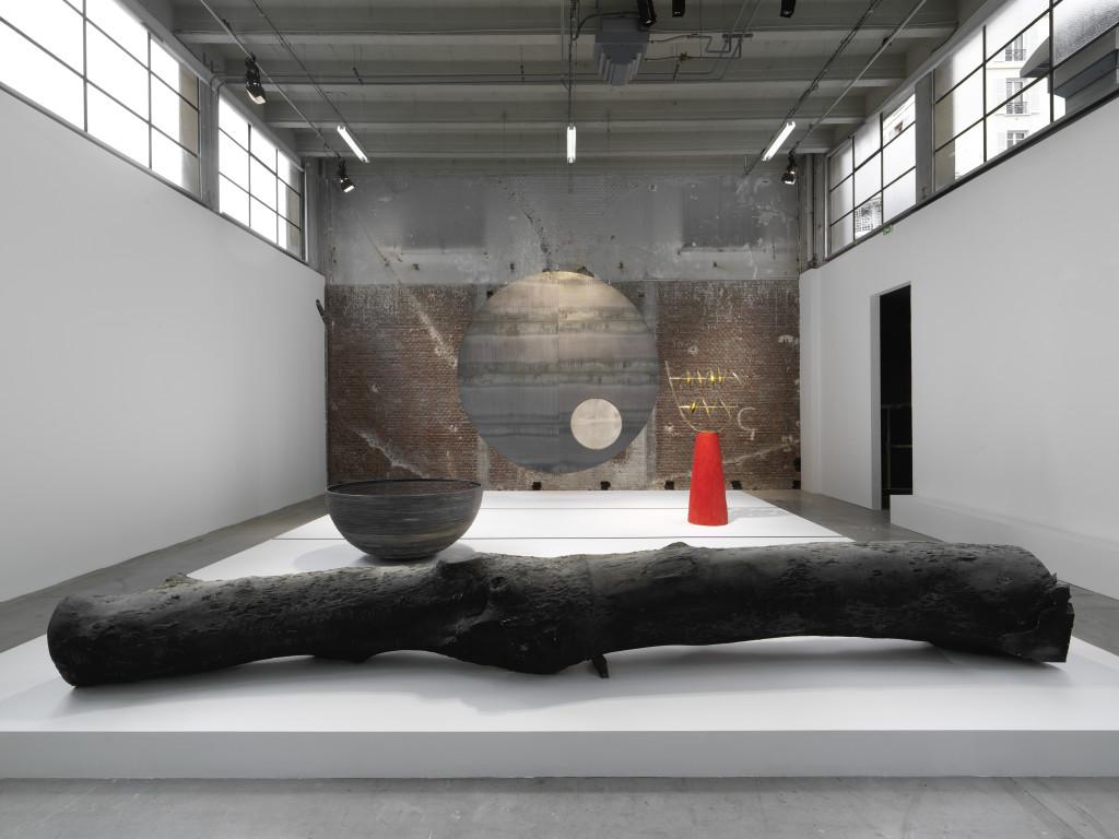 "Vues de l'exposition de Mel O'Callaghan ""Dangerous on-the-way"", Palais de Tokyo."
