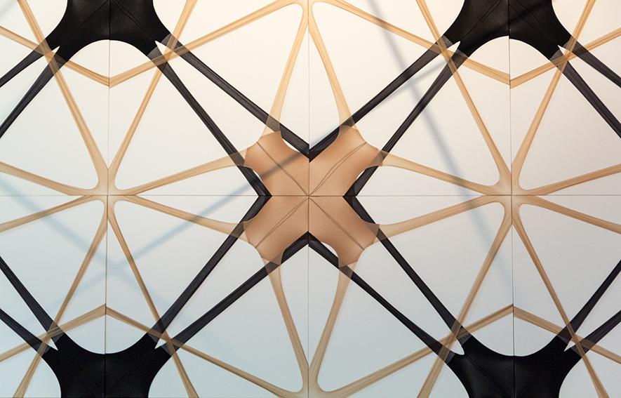 """Vue de l'exposition de Martin Soto Climent, """"Frenetic Gossamer"""". Palais de Tokyo."""