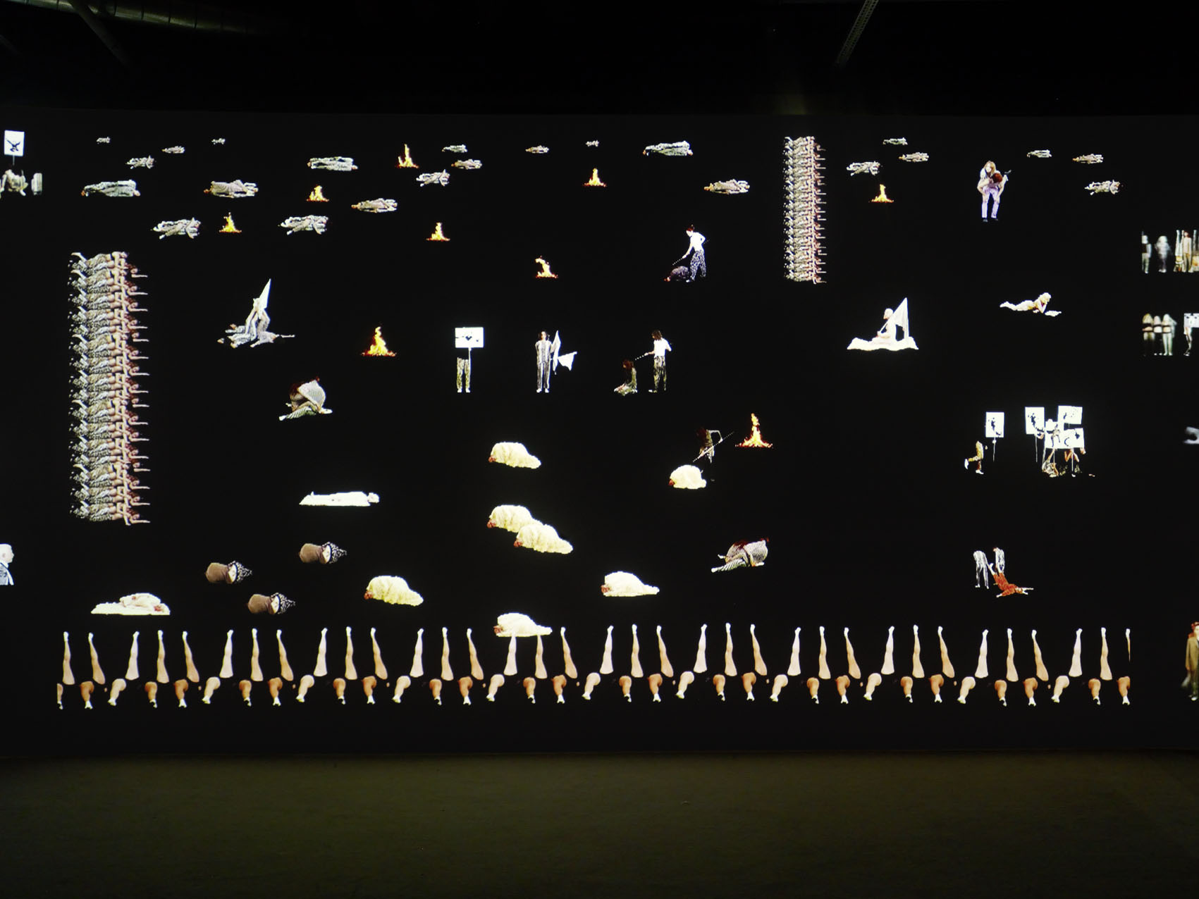 """Vue de l'exposition de Inci Eviner """"Broken Manifestos"""", MAMVP."""